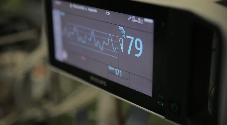 Szpitale covidowe wracają do normalnej pracy